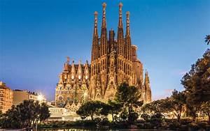 La Fourchette Barcelone : barcelone la sagrada familia a enfin un permis de construire l gal le parisien ~ Medecine-chirurgie-esthetiques.com Avis de Voitures