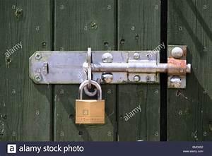 Schloss Und Riegel : padlock garden shed security stockfotos padlock garden ~ Lizthompson.info Haus und Dekorationen