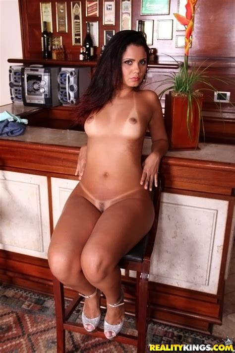 Stunning Latina Milf With Sexy Ass Srtripping And