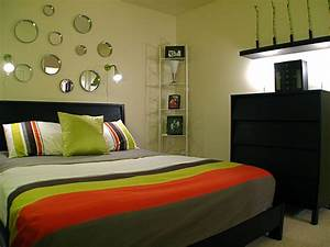 Small bedroom design ideas for Small bedroom decorating ideas images