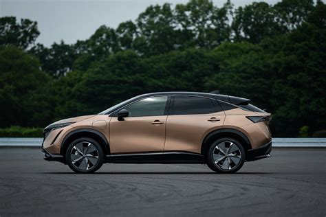 nissan hints  larger electric suv  coming motor