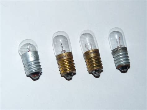file e10 low voltage light bulbs jpg wikimedia commons