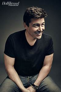 Kyle Chandler Central: Bar-Hopping With Kyle Chandler ...