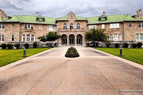 pink palace family  museums reception venues memphis tn