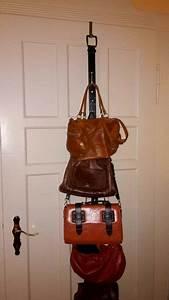 Taschen Aufbewahrung Selber Machen : taschen aufbewahrung ideen video aufbewahrung von handtaschen so geht 39 s dekorativ ~ Orissabook.com Haus und Dekorationen