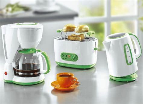 set kaffeemaschine toaster wasserkocher fr 252 hst 252 ck set 3tlg kaffeemaschine toaster wasserkocher glaskanne k 252 chenger 228 t ebay