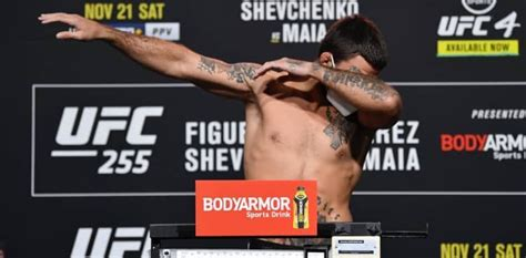 UFC 255 weigh-in results: Dual flyweight championship ...