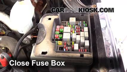 2005 Gmc Fuse Box Location by Replace A Fuse 1999 2007 Gmc 2500 Hd 2004 Gmc