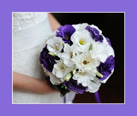 Blumen Hochzeit Dekorationsideenblumen Hochzeit Deko In Lila by Blumen Hochzeit Weiss Lila