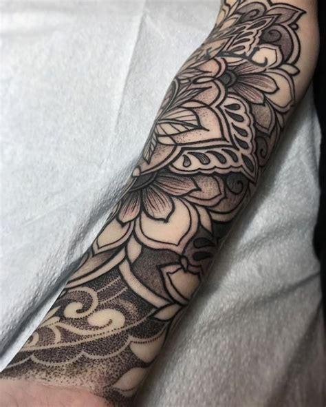 ideen und inspirationen fuer ein cooles unterarm tattoo