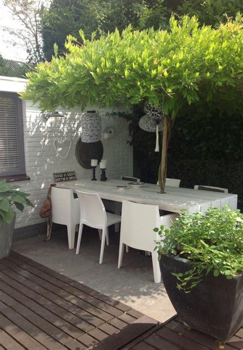 table et chaises jardin comment choisir une table et chaises de jardin