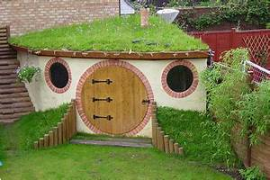 13 of the coolest playhouses: Outrageous! Cool Mom Picks