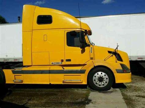 2004 volvo truck volvo vn 670 2004 sleeper semi trucks