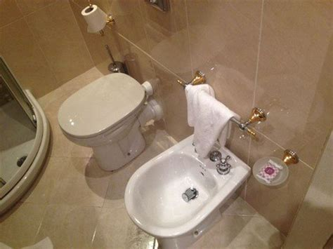 Bidet Italy - 15 of the strangest toilets from around the world