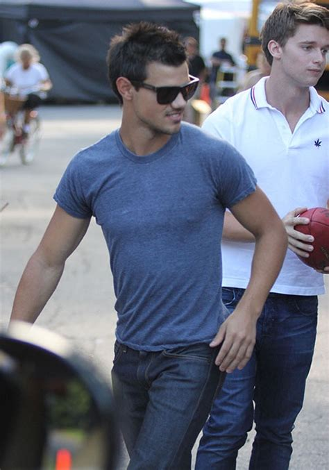 Taylor Swift's Ex Taylor Lautner Hangs With Patrick ...
