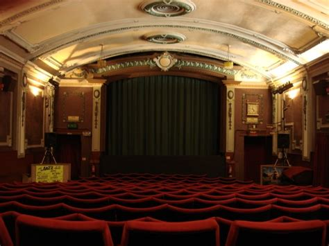 amazing  theaters theaters movies palaces oddee