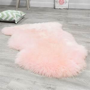 Fell Teppich Rosa : deko lammfell bunte schaffell teppiche fellteppich hochwertig l ufer pastell rosa felle ~ Markanthonyermac.com Haus und Dekorationen