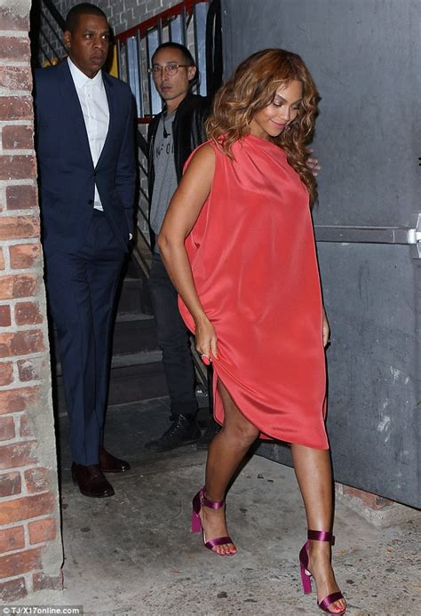 beyonce  chic  flowing red dress  date  jay