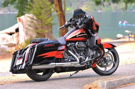 Gambar Motor Harley Davidson Cvo Glide by Harley Davidson Cvo Glide Flhxse Bilder Und