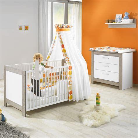 chambre bébé orange chambre bébé duo marléne lit et commode cérusé blanc de