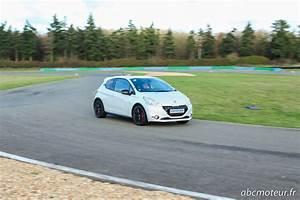 Peugeot 208 Blanche : essai peugeot 208 gti 30th celle tant attendue ~ Gottalentnigeria.com Avis de Voitures