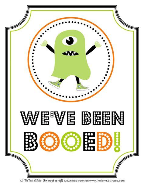 the tomkat studio halloween free printable boo sign