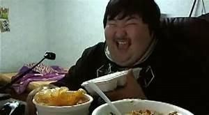 Traditional Animation Korean Man Really Enjoys His Food Video Ebaum 39 S World