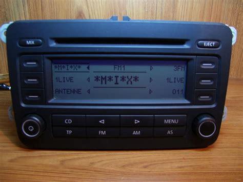 vw golf 5 radio polovni vw golf 5 passat b6 fabricki cd radio rcd 300