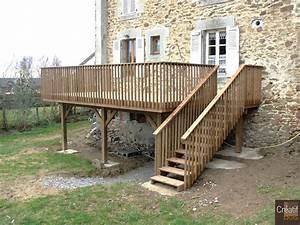 terrasse en bois sur poteaux avec escalier moissannes With jardin autour d une piscine 10 terrasse en bois sur poteaux avec escalier moissannes