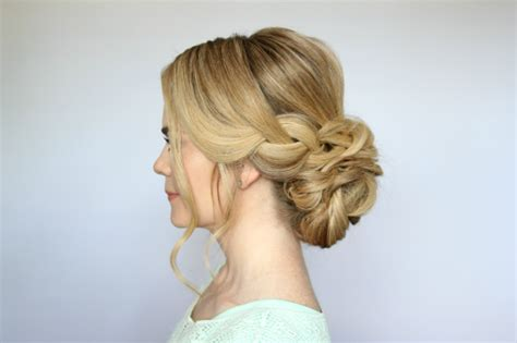 10 Gorgeous Messy Buns You Can't Ignore Without Giving A Try