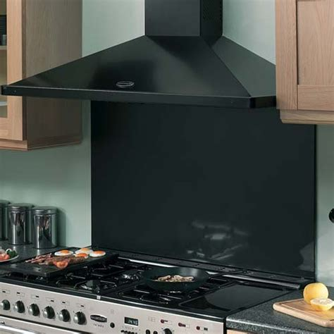 A Handy Guide to Cooker Hoods for Solid Wood Kitchens