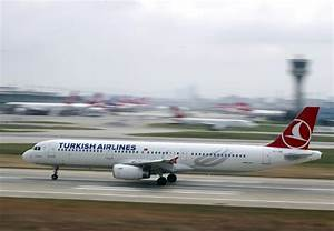 Turkish Airlines plane with 150 people aboard makes ...