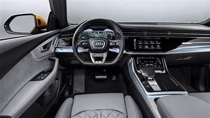 Audi Q8 Interieur : robb report test drives the new audi q8 crossover robb report ~ Medecine-chirurgie-esthetiques.com Avis de Voitures