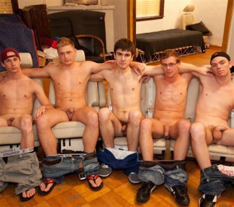 Amateur Gay Group Porn - Gay Men Naked Amateur Group Nude   CLOUDY GIRL PICS