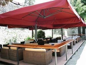 Parasol De Terrasse : parasol g ant de terrasse alu poker scolaro quatre parasols 6x6m 7x7m ~ Teatrodelosmanantiales.com Idées de Décoration