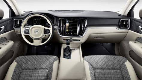 2018 Volvo V60 Wagon Breaks Cover Ahead Of Geneva Debut