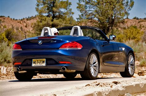2009 Bmw Z4 Roadster Grows Up At The Expense