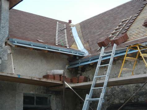 comment monter sur les toits de 28 images comment utiliser une 233 chelle de toit en toute s