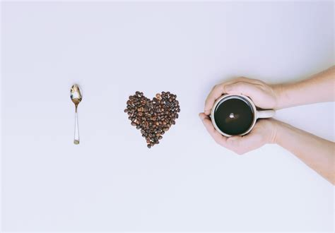 People who drink 4 or more cups of black coffee everyday cleanses your stomach coffee is a diuretic beverage thus it makes you want to urinate often. 3 Easy Ways to Cut Calories Without Actually Dieting