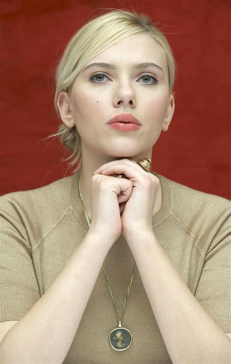 Scarlett Johansson in style   Photo files