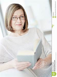 Woman Reading Royalty Free Stock Photo - Image: 33658875