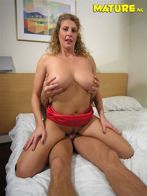 Dutch Milf With Nice Natural Big Boobs Getting Banged Pichunter