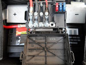 sicherungskasten golf 4 brandschutz hauptsicherungskasten auf der batterie golf 1 und golf cabrio wiki