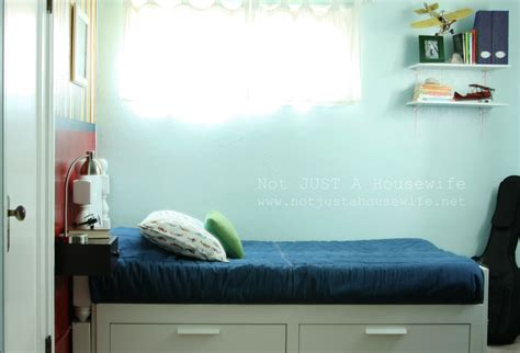 white bedroom ideas an airplane bedroom risenmay