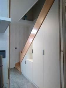 Amenager Sous Escalier : rangements sous escalier avec penderie et tag res ~ Voncanada.com Idées de Décoration