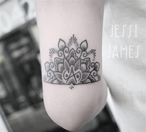 mandala  balance symbol   elbow