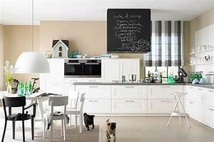 Sandtone und weiss machen die kuche freundlich bild 19 for Markise balkon mit tapeten fliesen küche