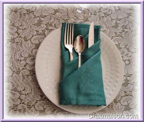 pliage de serviette porte couvert en papier les pliages de serviettes 233 ventails fleurs chapeaux pour f 234 tes c 233 r 233 monies arts de la table