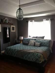 Bedroom, Chandelier, Teal