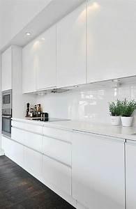 Küche Weiß Hochglanz : k chenr ckwand ideen weiss moderne wei e k chen ~ Watch28wear.com Haus und Dekorationen